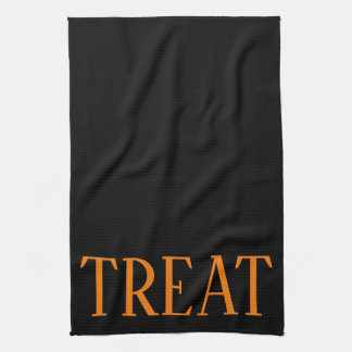 HALLOWEEN HOLIDAY GRAPHIC TREAT KITCHEN DISH TOWEL