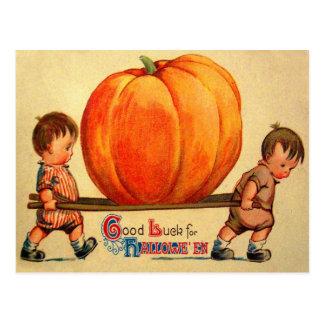 Halloween Retro Vintage World's Biggest Pumpkin Post Card