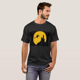 Halloween Theme'd Castle Men's Basic Dark T-Shirt