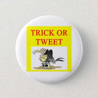 halloween twitter tweet joke 6 cm round badge