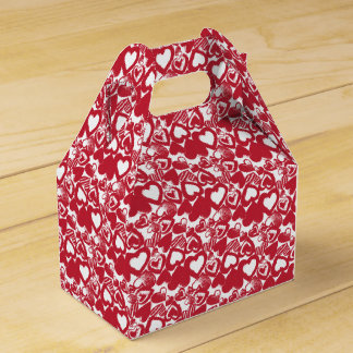 Hand-Drawn Red Hearts Pattern Favour Box