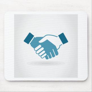 Hand shake mouse pad