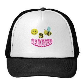 happy 2 bee married. mesh hats
