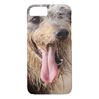 Happy dog on a beach iPhone 8/7 case