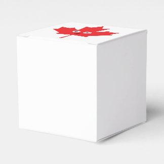 Happy Maple Leaf Favour Box