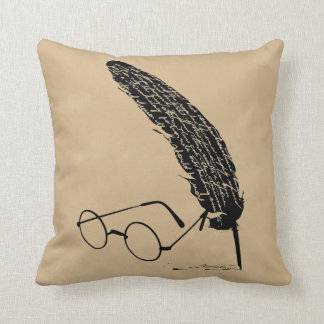 HARRY POTTER™ Glasses And Quill Cushion