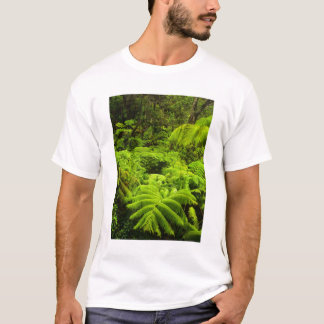 Hawaii, Big Island, Lush tropical greenery in T-Shirt