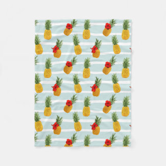 Hawaiian Summer Pineapple Seamless Pattern Fleece Blanket