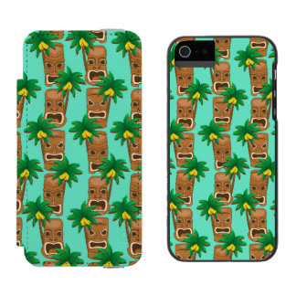 Hawaiian Tiki Repeat Pattern Incipio Watson™ iPhone 5 Wallet Case