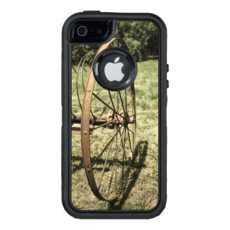 Hay Rake Wheel Aged OtterBox iPhone 5/5s/SE Case