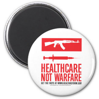 Healthcare NOT Warfare 6 Cm Round Magnet