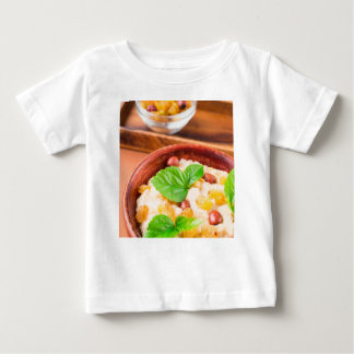 Healthy oatmeal with berries, raisins and herbs baby T-Shirt