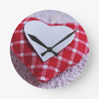 Heart Decoration Checkered Symbol Love Valentine Round Clock