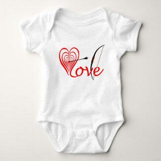 Heart love Dartscheibe with arrow and sheet Baby Bodysuit