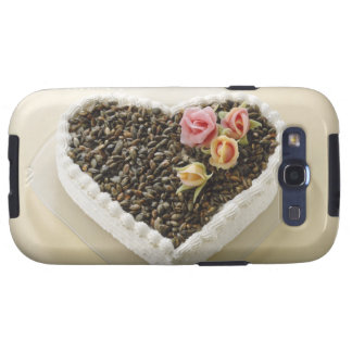 Heart shape wedding cake with flower, close-up galaxy s3 case