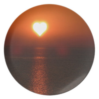 Heart sun sea sunset plate
