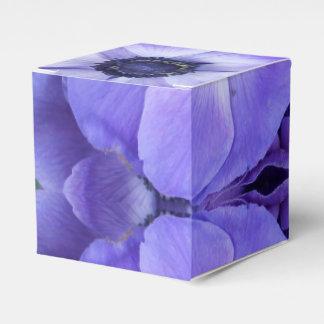 Henrietta Favour Box