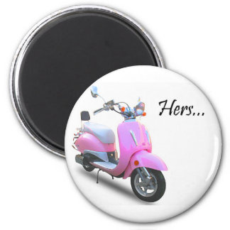 Her Scooter 6 Cm Round Magnet
