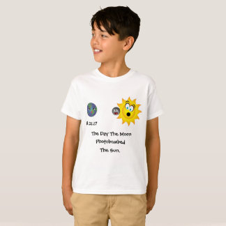 Here Comes The Moon! T-Shirt