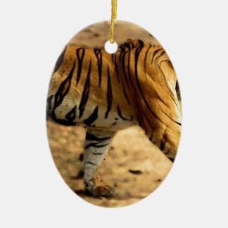 Hi-Res Tigres Stalking Ceramic Ornament