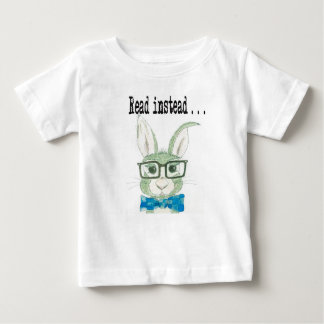 Hip reading bunny baby T-Shirt