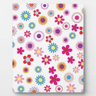 Hippie Vintage daisy flowers. red, purple, pink, g Plaque