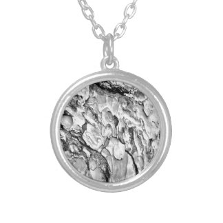 hipster effect texture silver plated necklace