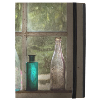 """Hobby - Bottles - It's all about the glass iPad Pro 12.9"""" Case"""