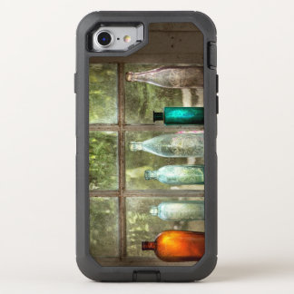 Hobby - Bottles - It's all about the glass OtterBox Defender iPhone 8/7 Case