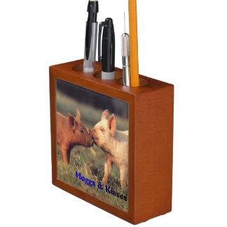 Hoggs & Kisses pencil organizer