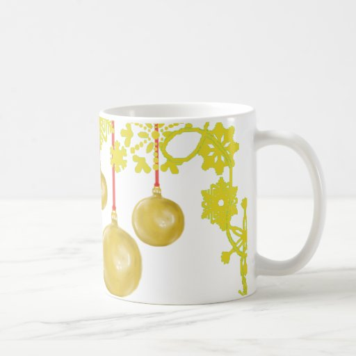 Holiday Wreath Gold Mug