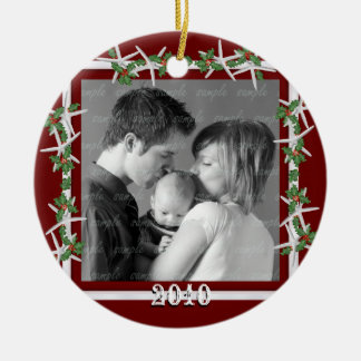 Holly and Starfish Red Family Photo Frame Round Ceramic Decoration