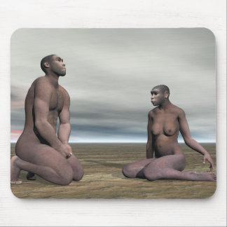 Homo erectus couple - 3D render Mouse Pad
