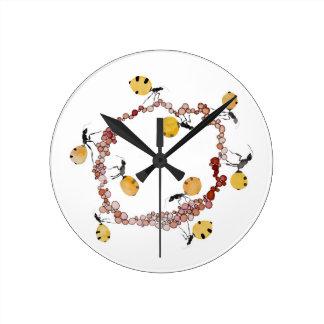 Honey Ant Roundabout Clock