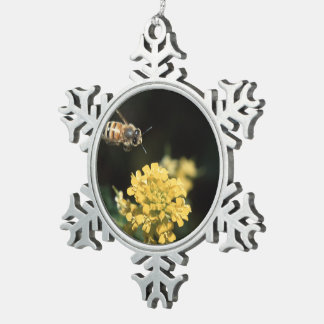 honey bee in flight pewter snowflake decoration