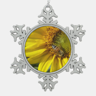 Honey bee of Yellow Sunflower Pewter Snowflake Decoration
