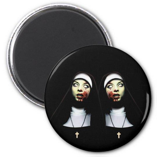 Horror nuns 6 cm round magnet