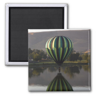 Hot air balloon over the Yakima River 2 Square Magnet