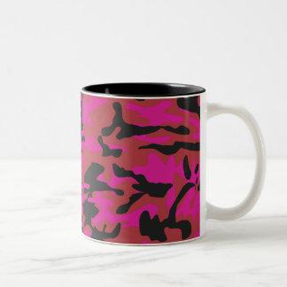 Hot pink camo pattern mugs