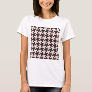 Houndstooth seamless pastel pink and black pattern T-Shirt