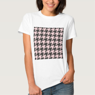Houndstooth seamless pastel pink and black pattern t-shirts