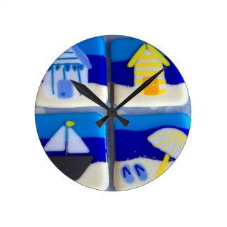Houses 1 round clock