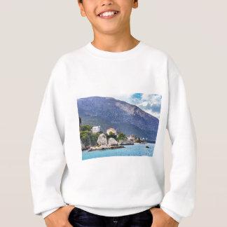 Houses rocks and mountain at greek sea sweatshirt