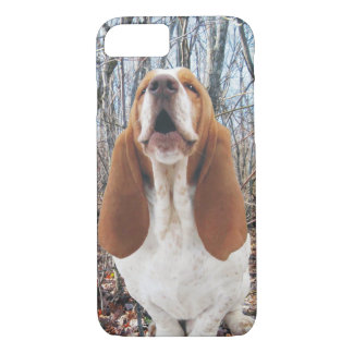 Howling Basset Hound in the Woods iPhone 7 Case