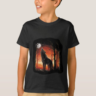 Howling Wolf at Sunset T-Shirt