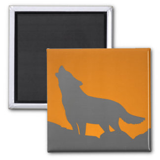 Howling wolf magnet