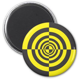Hypnotic circles magnet