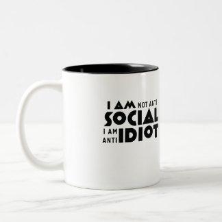 I am not anti social a am anti idiot Geek Mug