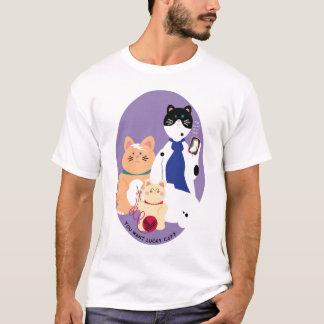 I can haz lucky cat? T-Shirt