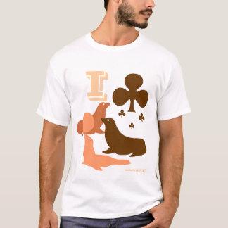 I Club Seals. It's A Joke, People! I Love Seals! T-Shirt